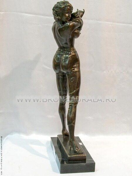 Статуэтки фигурки. Столовое серебро. Скульптура